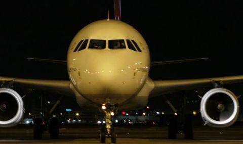 Самолет е кацнал аварийно на летище Бургас