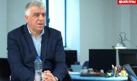 Румен Гечев пред ФАКТИ: ''Крокодилите'' около Борисов няма да му позволят да подаде оставка