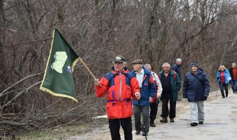60 души тръгнаха по стъпките на Апостола до Къкринското ханче