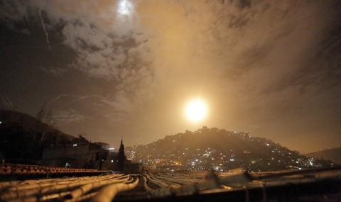 Мощни експлозии разтърсиха сирийска военна база