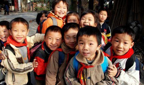 Голяма промяна: Китай разреши на двойките да имат по 3 деца
