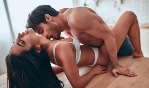 Любимите секс пози на жените според зодията