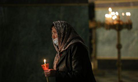 Румънски джебчии обират миряни в столични църкви