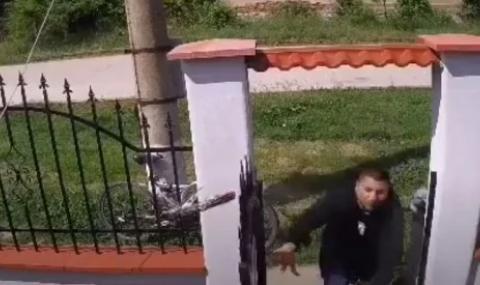 ВИДЕО показа как зарязаният баща отвлича дъщеря си от дома на бившата си