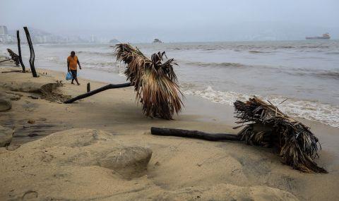 """Ураганът """"Нора"""" прицели Мексико - 1"""
