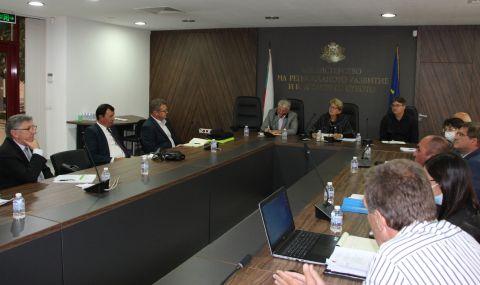 Комитова и ВиК Холдингът със спешен план за спасяването на водния проект на Добрич - 1