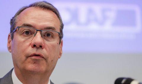 Шефът на ОЛАФ: Купени са неподходящи коли, парите трябва да се върнат