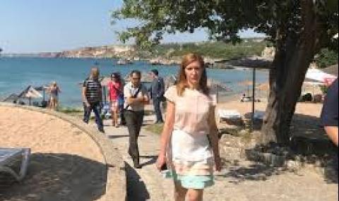 Ангелкова: Не можем да изчислим загубите в туризма