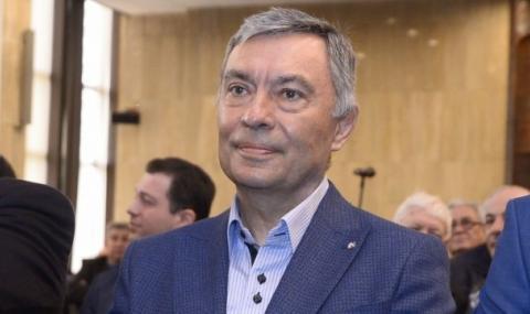 Георги Попов: Бойко Борисов да реши за акциите на Левски