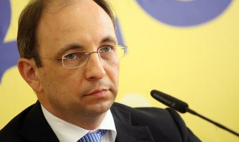 Николай Василев: Не прехвърляйте парите си в НОИ - 1