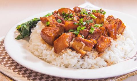 Рецепта за вечеря: Винен кебап с ориз