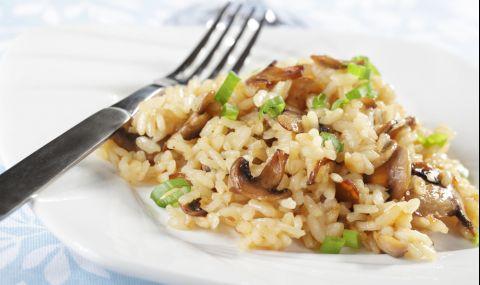 Рецепта за вечеря: Ориз с гъби и пресен лук
