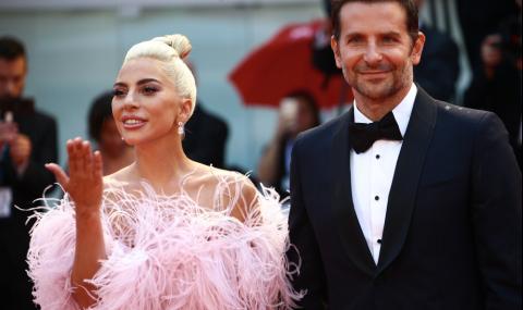 Хванаха Лейди Гага с ново гадже. Изненадващо не е Брадли Купър (СНИМКИ)