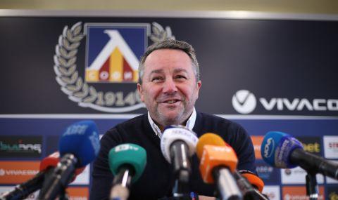 Славиша Стоянович иска още петима футболисти