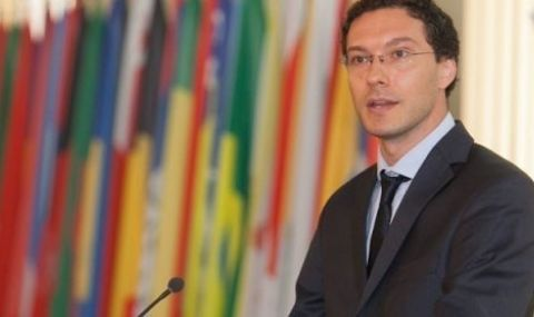 Даниел Митов може да върне мандата на Радев още днес