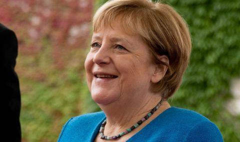 Направиха Меркел от марципан (СНИМКИ) - 1