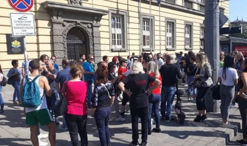 Бургаските ресторантьори се вдигнаха на бунт срещу мерките - 1