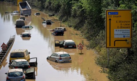 Жертвите на наводненията в Германия се увеличиха до 156