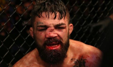 Боец от UFC нокаутира мъж, опитващ да закача гаджето му (ВИДЕО)