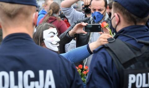 Мащабна евакуация на квартал във Варшава