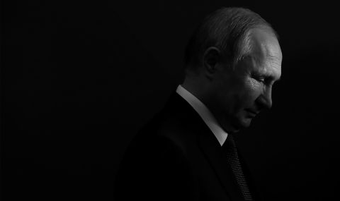"""Любовниците на Путин, стожерът на православния свят, получавали имения и акции в """"Газпром"""""""