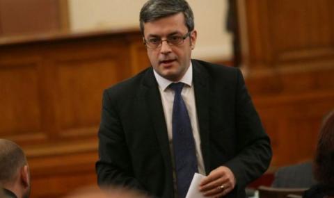 Тома Биков: Скептичен съм към референдумите и машинното гласуване