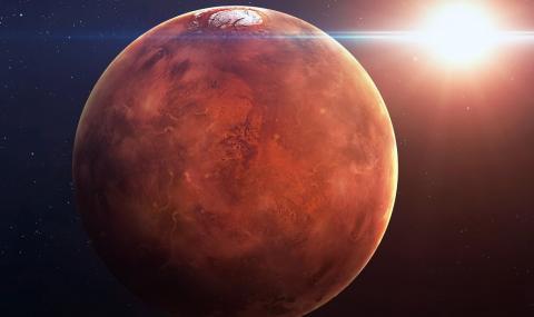 Солени езера са открити под ледници на Марс