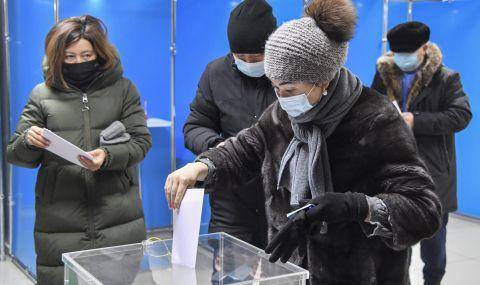 Партията на Назарбаев печели изборите в Казахстан