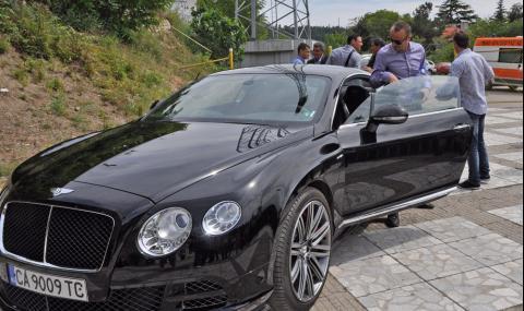 Бербатов в лют скандал със съседи заради паркиране