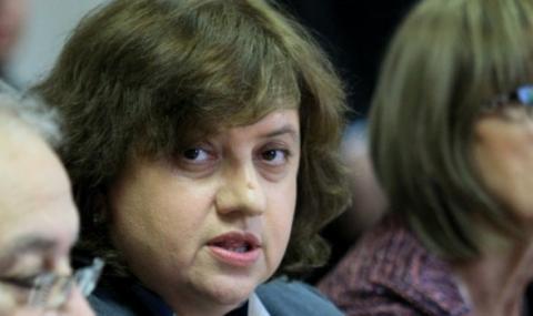 Съветник на Радев: Неграмотно преписват конституцията