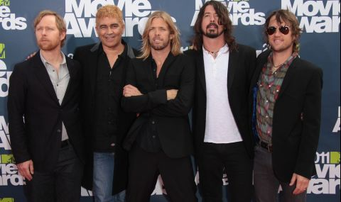 Foo Fighters издадоха десетия си музикален албум