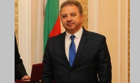 НФСБ дари предпазни облекла за медиците в Пловдивска област