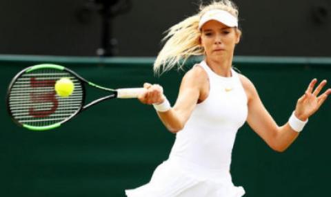 Красива тенисистка нокаутира майка си с тоалетна хартия (ВИДЕО)