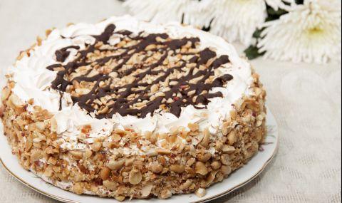 Рецепта на деня: Медена торта със сметана