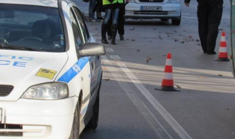 Кола уби чакащ на автобусна спирка в Сливен