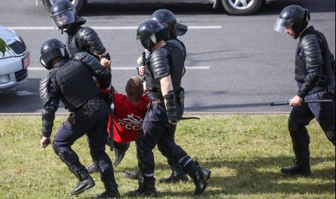 В Беларус са арестували 6000 души