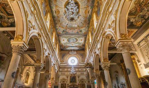 Няма да затварят църквите в Италия