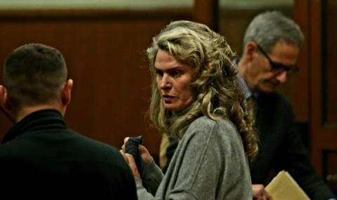 Жената на Божков отново застава пред съда