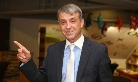 Д-р Коста Костов: Хей, мишоци, ние не сме политици или депутати, а медици!