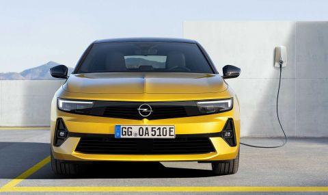 Новата Astra дебютира с променена визия и хибридно задвижванe - 2