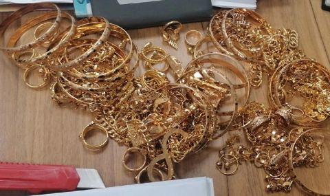 Хванаха контрабандни златни накити за над 80 бона
