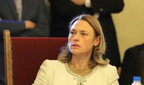 Ива Митева обяви промените в Закона за НСО за приети - 1