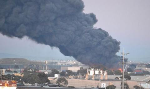 Огнен ад в Мелбърн! Отровен дим се носи над града (ВИДЕО)
