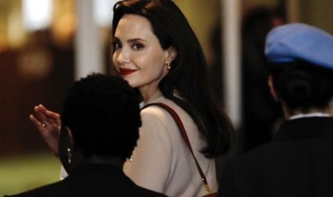 Анджелина Джоли дари $1 млн. за храна за деца