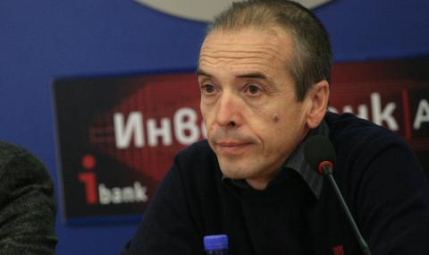 Доц. Мангъров: 70% от българите трябва да преболедуват, никакви мерки не могат да го спрат