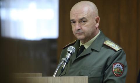 Плеймейтка: Обожавам генерал Мутафчийски! (ВИДЕО)
