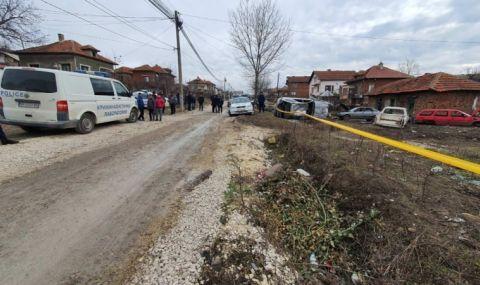 Ужасяващо! Мъж откри на улицата починалия си баща
