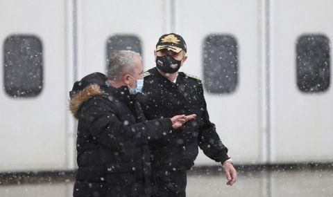 Началниците на отбраната на България и Северна Македония заминаха за Брюксел