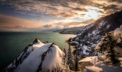 Невиждан студ. Охридското езеро замръзна
