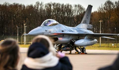 САЩ: Изтребителят Ф-16 е най-доброто за България